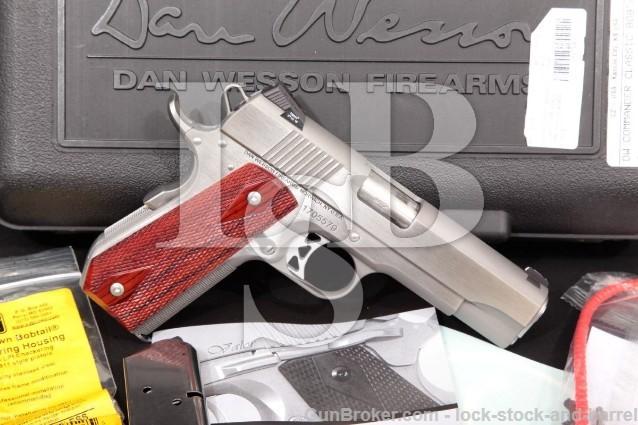 "Dan Wesson 1911 Commander Classic Bobtail 01912 Stainless 4.25"" Semi-Auto Pistol & Case, .45 ACP"