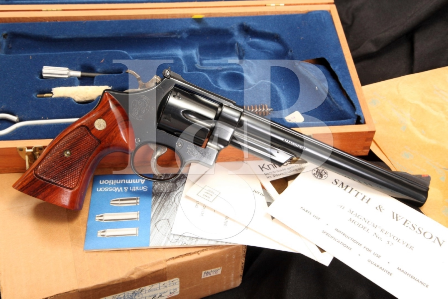 Smith & Wesson S&W Model 57 -- The 41 Magnum Double Action Target Revolver & Case